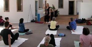 teaching-long-neck-workshop1